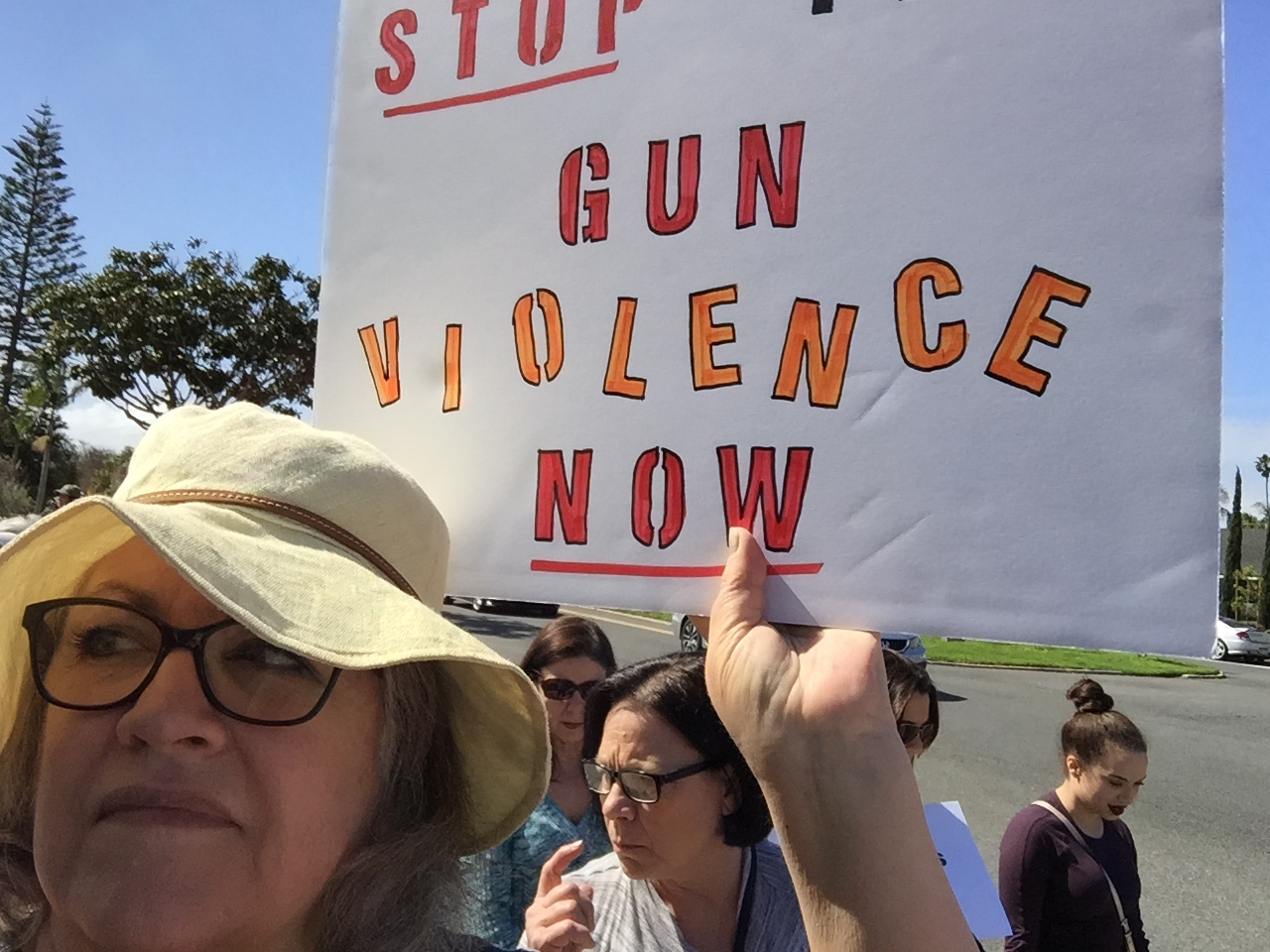 2018-3-24 AM March for Our Lives, Huntington Beach 13 - Cindi on March