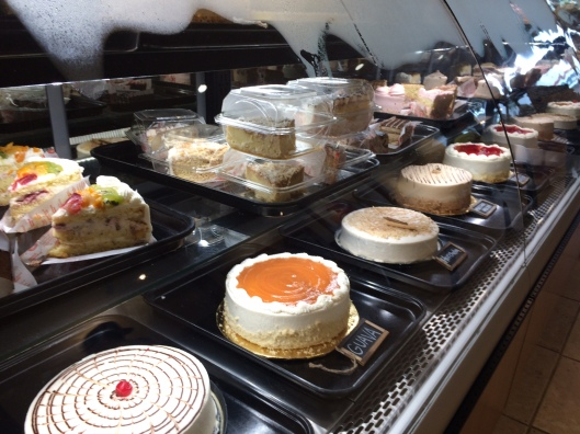 La Monarca Cake Display